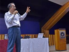 Professor Roberto Heloane (FE)