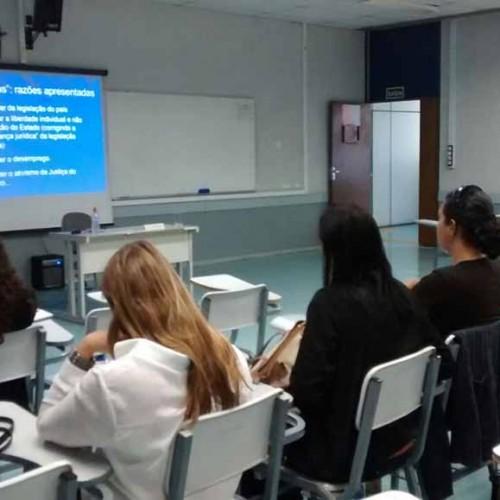 """Assista ao vídeo da aula pública sobre """"A Saúde do Trabalhador no Contexto das Reformas"""""""