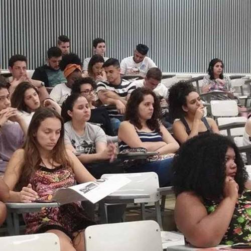 Aula Pública discutiu as contribuições da juventude e seu papel na sociedade