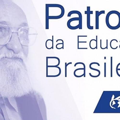 """Ato-debate """"Educação e Reflexão Freireana: contribuição para  um mundo novo"""