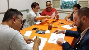 Apuração da eleição realizada na sede da entidade.