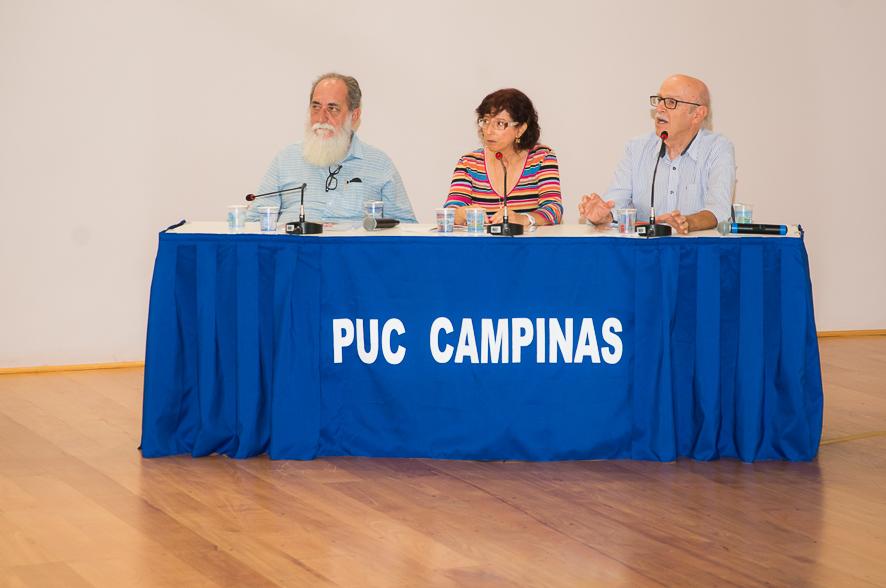 Mesa de abertura composta pelo palestrante, Silvana Suaiden (Apropucc) e Augusto Petta (Centro Nacional de Estudos Sindicais e do Trabalho)