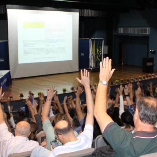 Professores da PUC-Campinas aprovam Regulamento da Carreira Docente